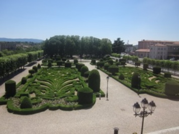 Petite promenade urbaine, à Castres: Entre jardin historique et espace public contemporain